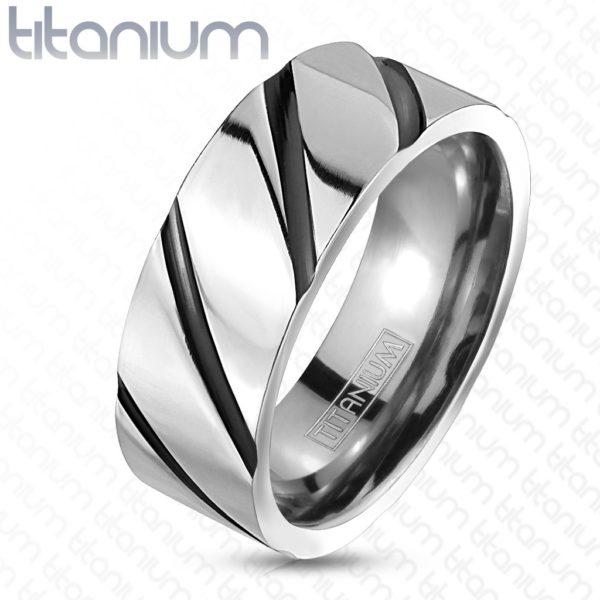 Prsten z titanu – lesklý stříbrný pás
