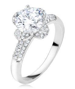 Prsten s čirým zirkonovým květem
