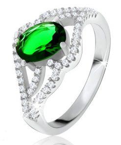Prsten s oválným zeleným kamenem