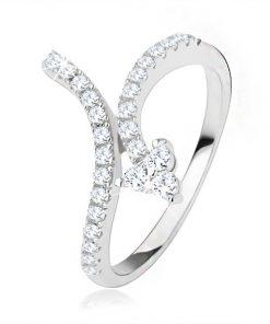 Prsten vykládaný čirými zirkony
