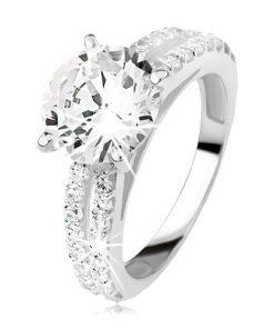 Stříbrný prsten se zirkonem a zirkonovými pásy - Velikost: 69