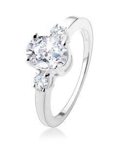 Zásnubní prsten se třemi třpytivými zirkony