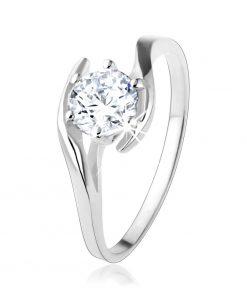 Zásnubní stříbrný prsten 925 - čirý zirkon mezi zvlněnými liniemi - Velikost: 59