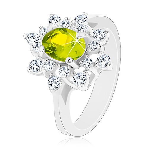 Prsten se stříbrným odstínem