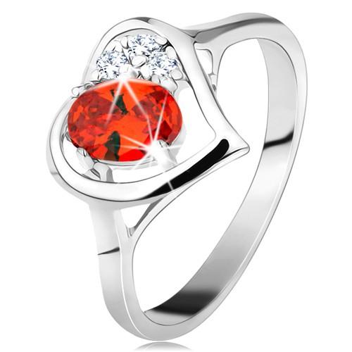 Prsten ve stříbrné barvě