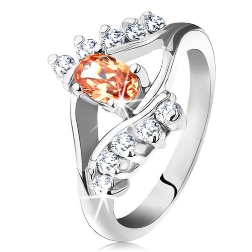 Prsten ve stříbrné barvě s rozdělenými rameny