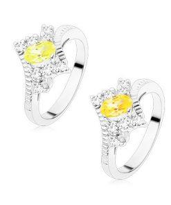Prsten ve stříbrném odstínu s vroubkovanými rameny